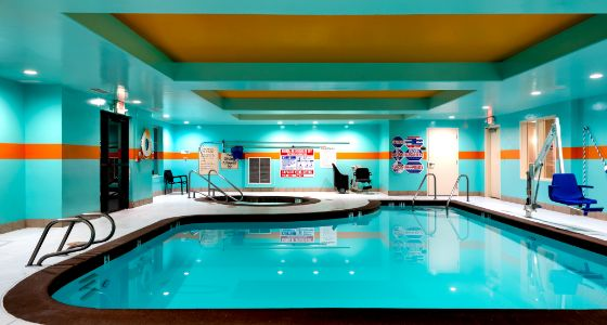 Lathrop CA Holiday Inn Express indoor pool