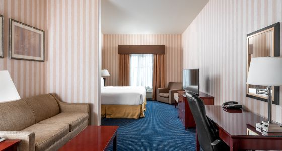 Lathrop CA Holiday Inn Express rooms and suites